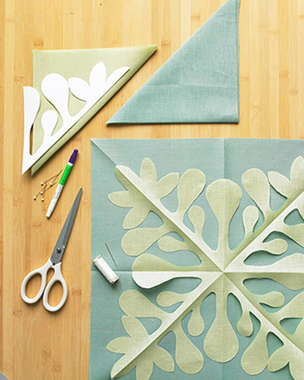 How To Make A Hawaiian Quilted Pillow Cover | Needle And Thread - Free Printable Hawaiian Quilt Patterns