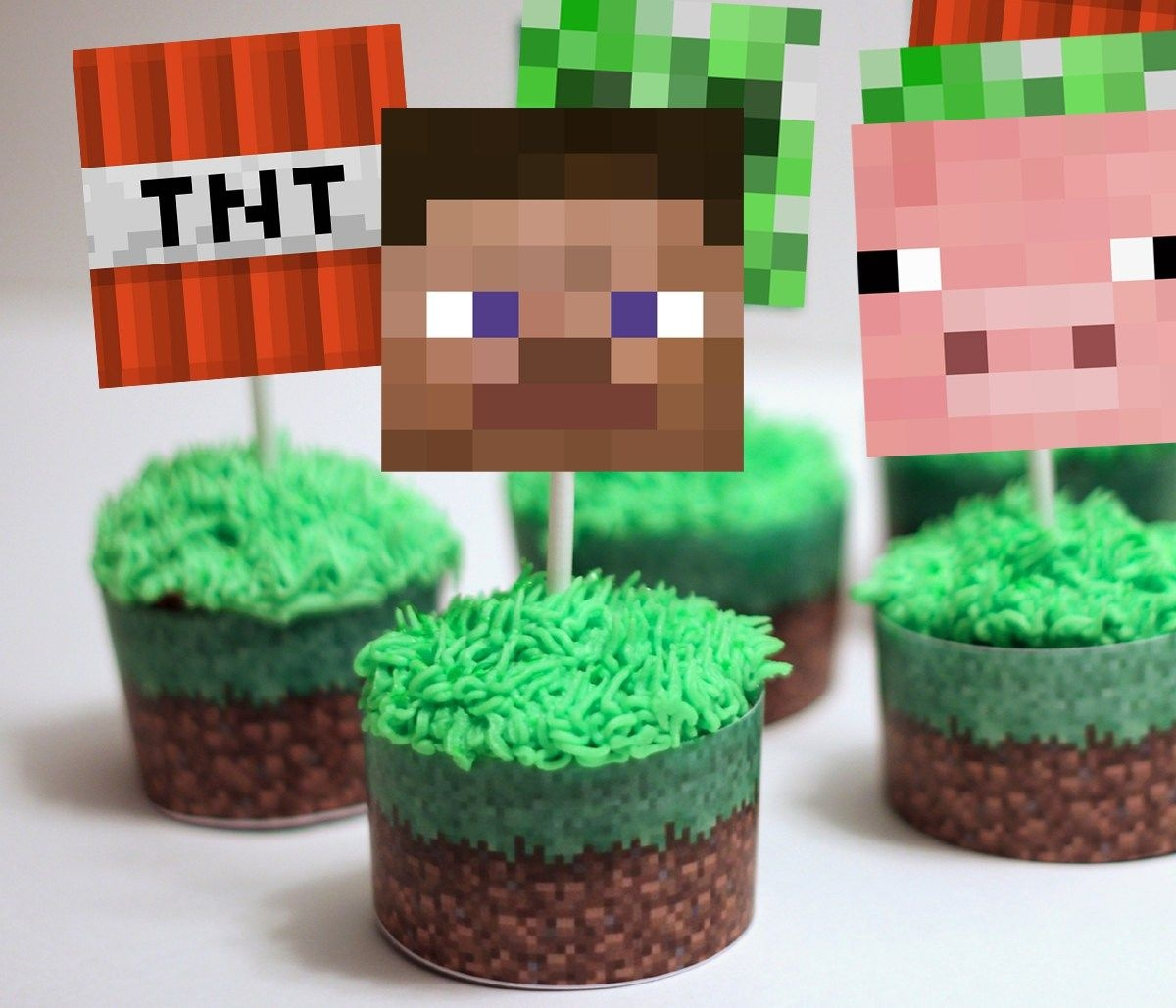 Minecraft Cupcake Toppers & Wrappers | Partyparty | Minecraft - Free Printable Minecraft Cupcake Toppers And Wrappers