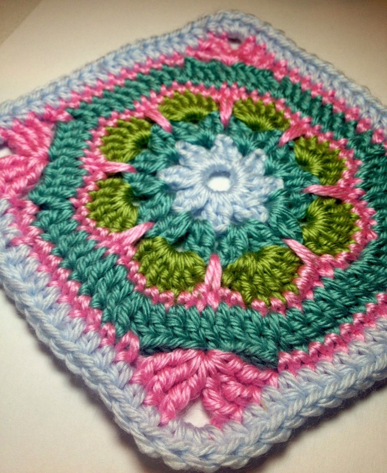 Free Crochet Patterns: Free Crochet Granny Square Motif Patterns - Free Printable Crochet Granny Square Patterns