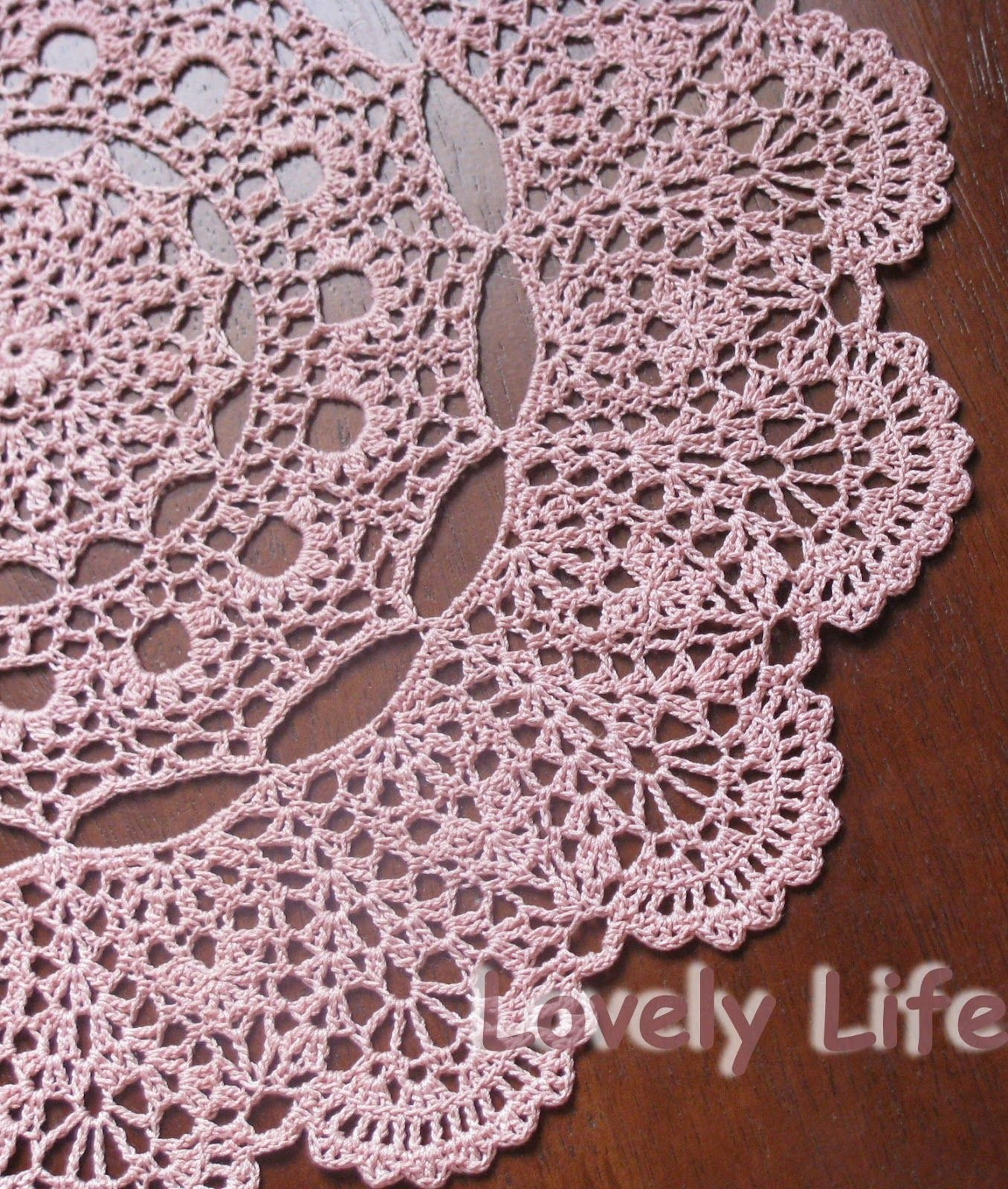 Free Printable Crochet Doily Patterns | Mantilla Doily - Close Up - Free Printable Crochet Patterns